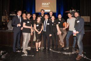 Gruppenbild des gesamten Transmedial/INKA+ Teams mit Thomas Wünsch, Staatssekretär im Ministerium für Wirtschaft, Wissenschaft und Digitalisierung des Landes Sachsen-Anhalt