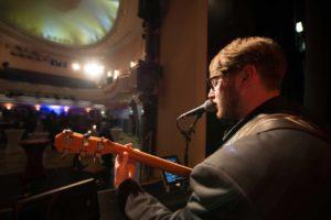Max Schwanethal musiziert